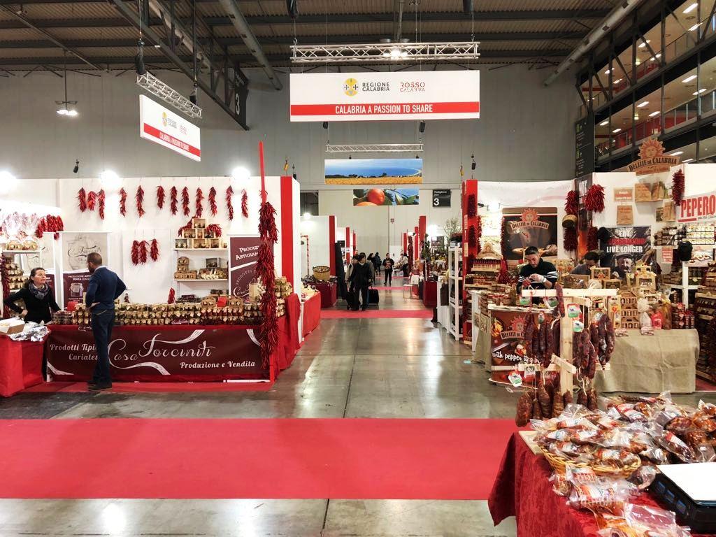 Regione calabria continua successo a fiera artigianato for Fiera artigianato milano 2017